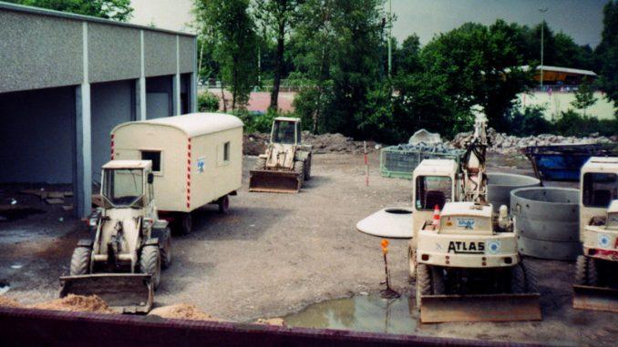 1991 macht das THW Ratingen einen großen Schritt nach vorne. Es bezieht den neuen und modernen Standort am Hülsenbergweg in Lintorf. Hier beginnen und enden bis heute alle unsere Ausbildungen und Einsätze. (Foto:THW)