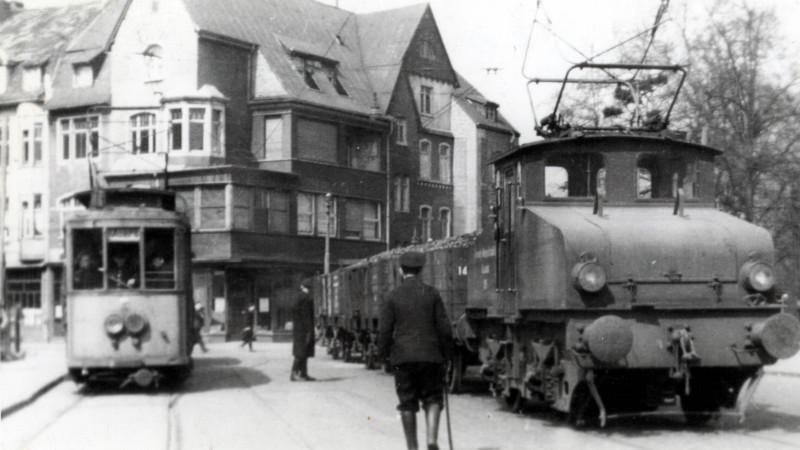 1948 in Moers mit Kohleanhänger (Foto: Rheinbahn)